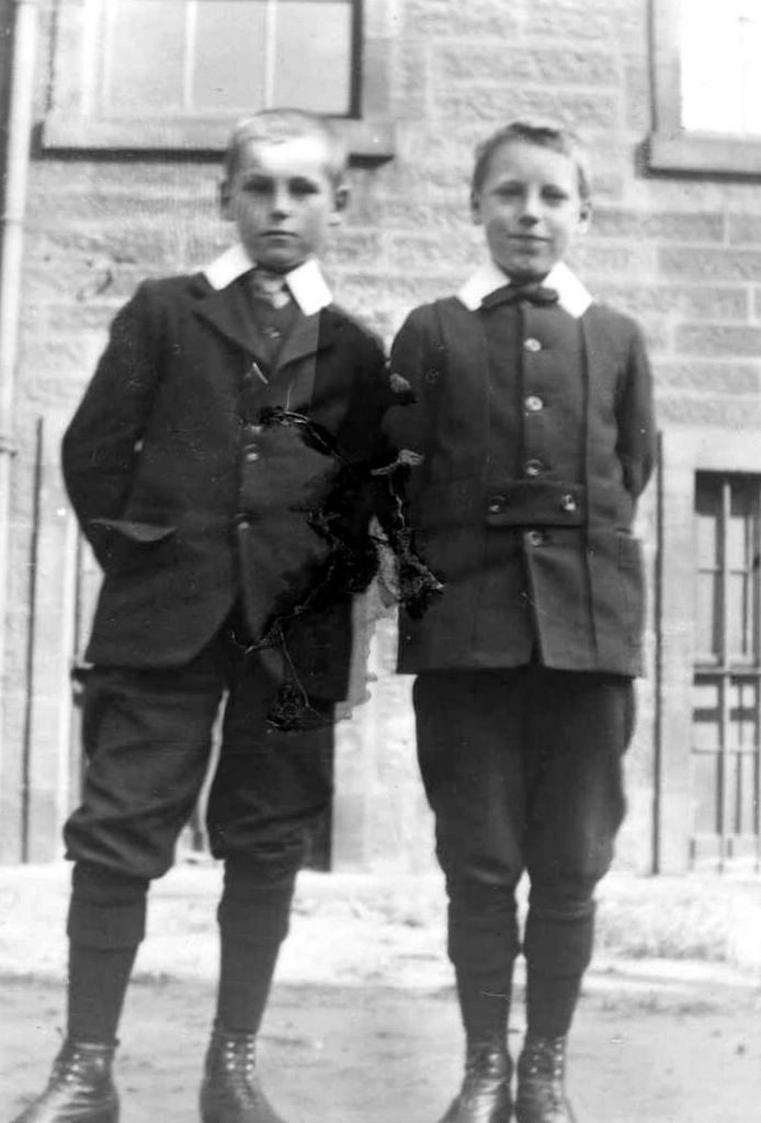 1908-Rob-and-Eric-Liddell-Eltham-College